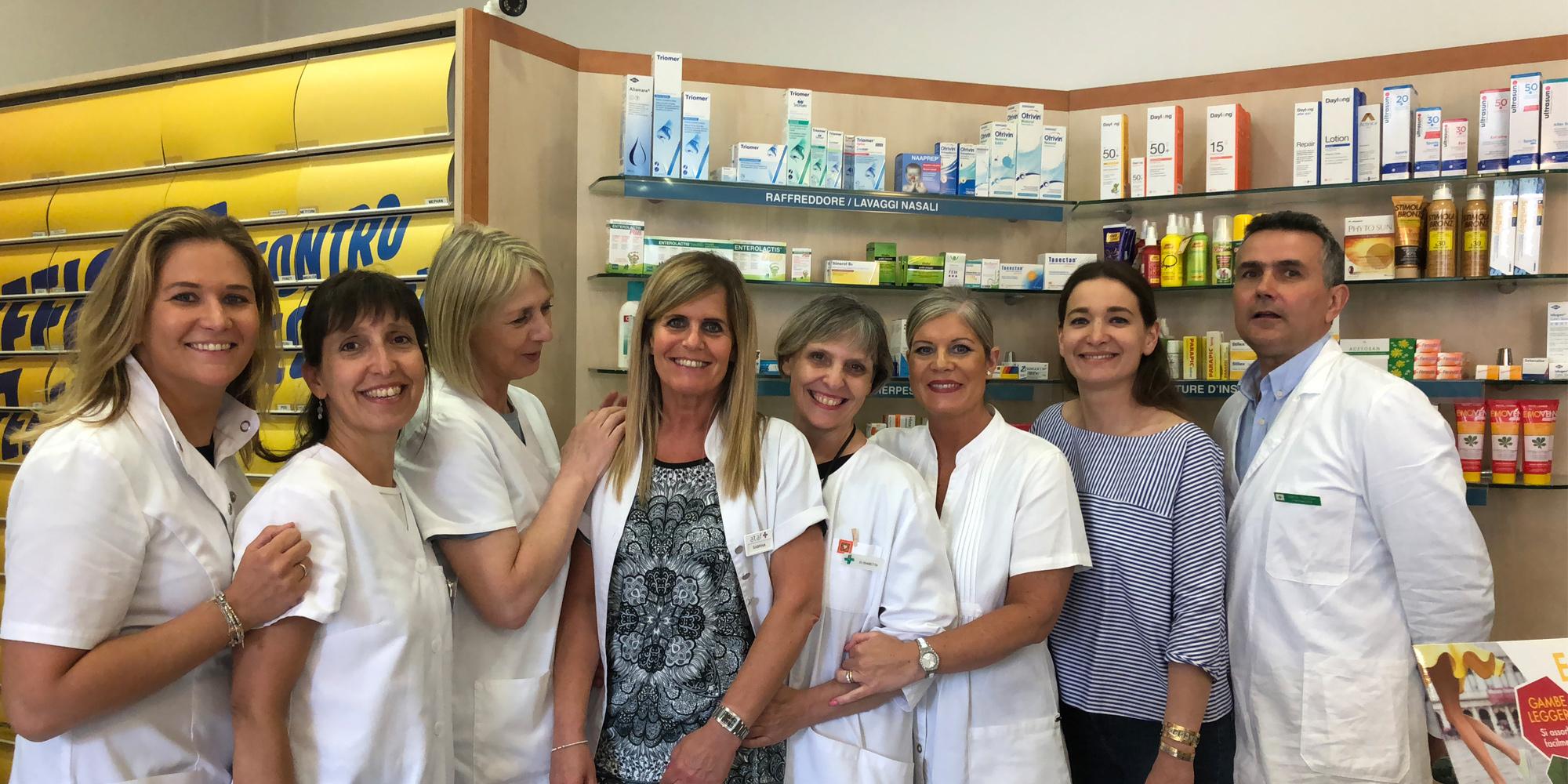 Lo staff della farmacia Liver